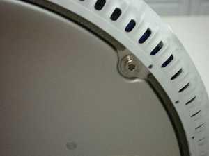 液晶iMacフラットパネル裏側ネジアップ